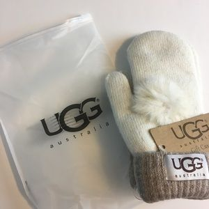 Winter UGG Mittens size small off white